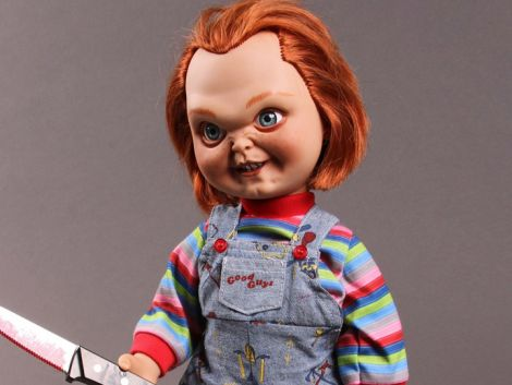 (RELEASED) CHILD'S PLAY 15in SNEERING CHUCKY TALKING DOLL