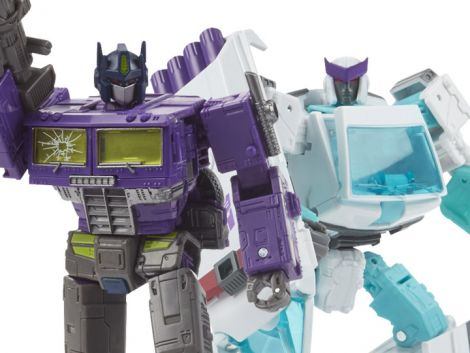 (PRE-ORDER) TRANSFORMERS GENERATIONS SELECTS SHATTERED GLASS OPTIMUS PRIME & RATCHET TWO-PACK