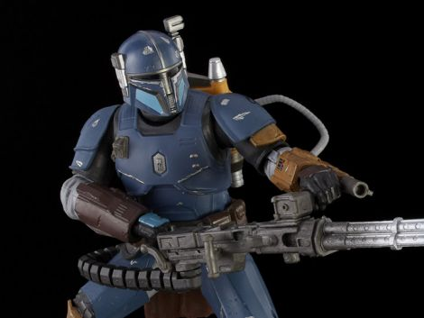 (RELEASED) STAR WARS THE BLACK SERIES: HEAVY INFANTRY MANDALORIAN - 6-INCH SCALE THE MANDALORIAN COLLECTIBLE DELUXE