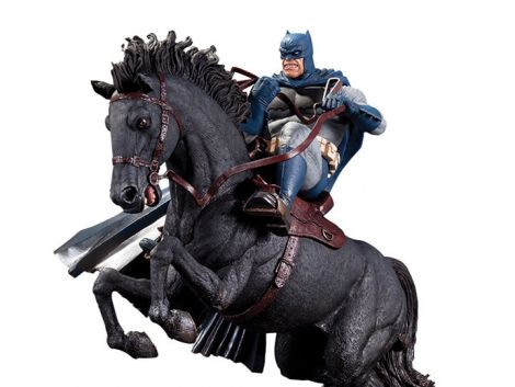 (RELEASED) THE DARK KNIGHT RETURNS: CALL TO ARMS LIMITED EDITION MINI BATTLE STATUE