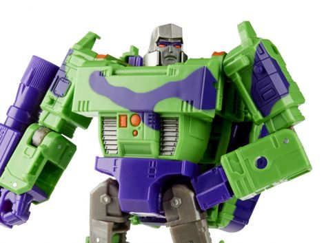 (PRE-ORDER) TRANSFORMERS GENERATIONS SELECTS VOYAGER G2 MEGATRON