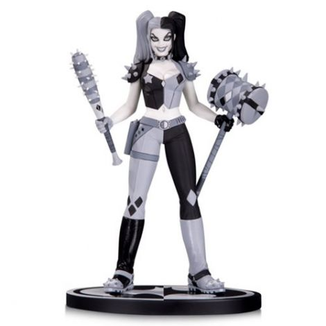 (RELEASED) BATMAN BLACK AND WHITE HARLEY QUINN BY AMANDA CONNER STATUE