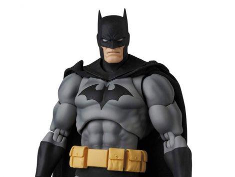 (PRE-ORDER) BATMAN: HUSH MAFEX NO.126 BATMAN (BLACK VER.)