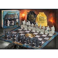 (RELEASED) LORD OF THE RINGS CHESS SET