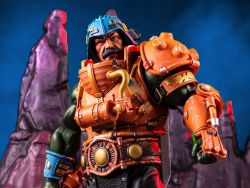(RELEASED) MASTERS OF THE UNIVERSE MAN-AT-ARMS 1/6 SCALE FIGURE