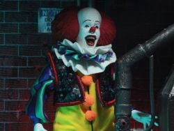(RELEASED) IT (1990) PENNYWISE ACTION FIGURE